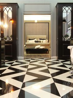 Gatsby's bathroom at Ventura Design's Great Gatsby Show House in the Autumn Ideal Home Show.
