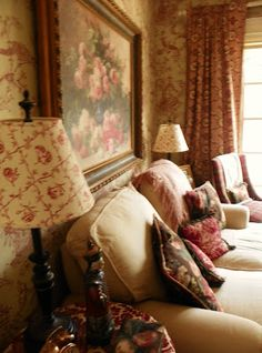 An English Cottage does Country House. English Cottage Style, English Country Cottages, English Country Decor, English House, English Style, English Cottage Decorating, French Country, Cottage Living, My Living Room
