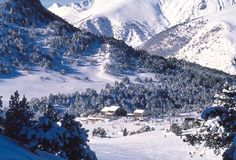 Skiing in Soldeu, Andorra - Cheryl Herweg