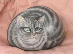 Gatto ritratto su sasso - Per la casa e per te - Produzioni artisti... | su MissHobby