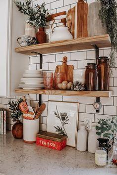Open shelving and white subway tiles open shelf kitchen, kitchen decor, kit Diy Home Decor, Room Decor, Diy Decoration, White Subway Tiles, Farmhouse Side Table, Rustic Farmhouse, Farmhouse Style, Home Kitchens, Open Shelving