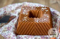 Bundt Cake integral de avena, zanahoria y coco