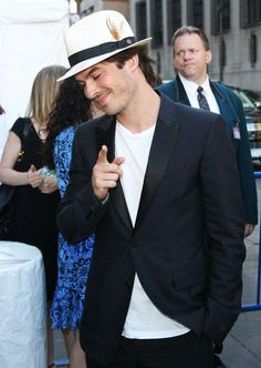Ian Somerhalder For once chat with me.or follow me in my Twtr plz plz