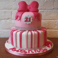 Pink 'Girlie' 21st cake www.chic-dreams.co.uk