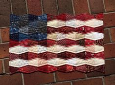 You may have thought that I had forgotten to share my little tumbler flag quilt. But no, I was saving it for flag day, which is today in the US. Blue Quilts, Small Quilts, Mini Quilts, Patriotic Quilts, Patriotic Crafts, Patriotic Party, July Crafts, American Flag Quilt, Tumbler Quilt