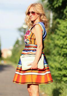Le prime users del nostro servizio che han deciso di condividere con noi la loro fashion experience !!!   Rent the look--> http://drexcode.com/prodotto/abito-in-raso-con-ricamo-floreale/ #drexcode #luxuryrent #specialevents