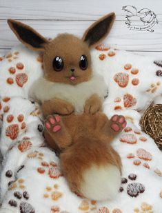 Needle Felted Eevee by YuliaLeonovich Pokemon Craft, Pokemon Plush, Pokemon Eevee, Cute Fantasy Creatures, Cute Creatures, Anime Animals, Felt Animals, Needle Felted Animals, Needle Felting