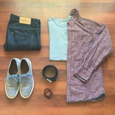 Some layering to deal with the transition from cool morning to warm afternoon. #ootd #wiwt #ootdmen #getdapper #dapper #menswear #weekend #mensfashion #mensstyle #theamateurprofessional #weekend #harrisburg #centralpa #gq #mywolverines #flatlay #suitgrid #sharpgrids #rawdenim #denim #loyalcollective #jeans #wolfvsgoat #disruptiveluxury #taft #alexmill #tshirt #paperdenimandcloth #buttondown #stolenriches
