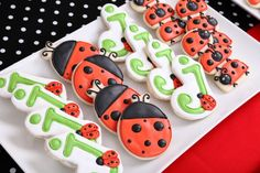 lady bug cookies for a ladybug party Ladybug Cookies, Ladybug Cupcakes, Cute Cookies, Sugar Cookies, Kitty Cupcakes, Snowman Cupcakes, Giant Cupcakes, Yummy Cookies, Baby Ladybug