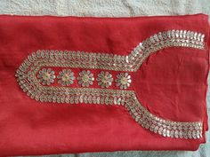 Salwar Suit Neck Designs, Neck Designs For Suits, Kurta Designs, Blouse Designs, Hand Embroidery Dress, Embroidery Suits Design, Embroidery Designs, Mirror Work Kurti, Gota Patti Saree