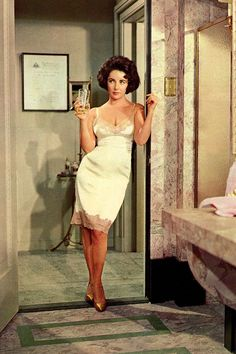 """How about I """"slip"""" into something a bit more appropriate. Elizabeth Taylor bringing us a little old Hollywood style today! Old Hollywood Stars, Hollywood Icons, Old Hollywood Glamour, Hollywood Fashion, Vintage Hollywood, Hollywood Lingerie, Hollywood Style, Glamour Vintage, Glamour Hollywoodien"""