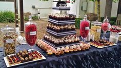 Graduation Display Table | ... , cupcakes, cake pops, birthday cakes | Graduation | Frosted Cakery