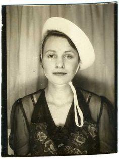Photobooth portrait, 1940s