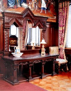 Замок Нойшванштайн neus-garderobnaya-stol.jpg (1956×2520)