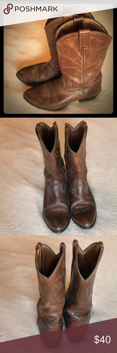 Ariat size 8 used cowboy boots brown see pics Used Ariat cowboy boots size 9 dark brown with weathering and wear see pics used selling cheap Ariat Shoes Boots