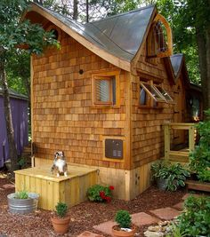 """""""One of the most beautiful tiny houses out there is now for sale: Zyl Vardos gorgeous Pinafore! See at tinyhouselistings.com website."""""""