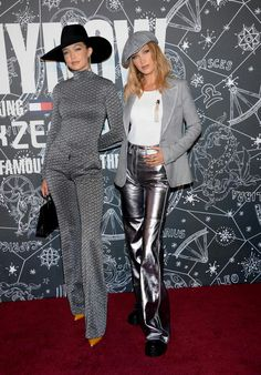 Fashionista Issue by New Fashion Leader : Bella Hadid & Gigi Hadid Match in Metallic Looks at the TommyxZendaya Fashion Show September 2019 NYFW ! The model duo shone in coordinating silvery ensembles. What a Brilliant Dynasty :) Bella Hadid Tumblr, Bella Hadid Photos, Gigi Hadid Tommy Hilfiger, Tommy Hilfiger Fashion, Zendaya, Fashion Show, Fashion Outfits, Classic Fashion, Women's Fashion