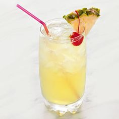 Cut Calories skinny-pina-colada - Enjoy your favorite summer foods, but slash the fat and calories with a few simple changes. Cocktails, Party Drinks, Cocktail Drinks, Fun Drinks, Healthy Drinks, Cocktail Recipes, Alcoholic Drinks, Cocktail Shaker, Healthy Smoothies