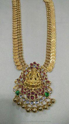 Gold Antique Kasumalai with Lakshmi Pendant ~ South India Jewels Gold Necklace Simple, Gold Jewelry Simple, Trendy Jewelry, 24k Gold Jewelry, Gold Jewellery Design, Wedding Jewelry, Siri, Costume Jewelry, Beautiful