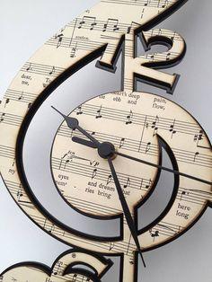 Personalised Treble Clef Vintage Music  clock