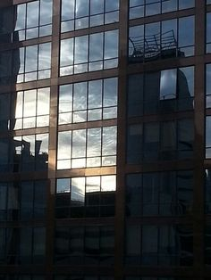 Reflecting Sky./Santiago, Chile