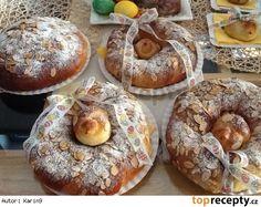 Mazanec - Vánočka - ptáčci v hnízdě Bagel, Doughnut, Muffin, Easter, Sweets, Bread, Breakfast, Food, Celtic