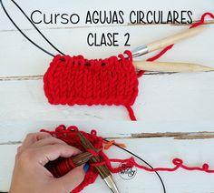 Qué hacer cuando quieres montar pocos puntos pero el cable de tus agujas es demasiado largo... #curso #agujascirculares #SWaprendoatejer #punto #tutorial #dosagujas #soywoolly #tejerencirculo #tejerentubo Diy Crochet, Crochet Hats, Loom Knitting, Crochet Necklace, Cable, Crafty, Sewing, Handmade, Molde