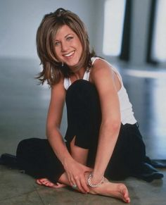 cute early picture of Jennifer Aniston aka Rachel Green! :)