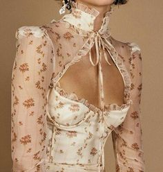 >>> Kleider >>> - New Ideas Look Fashion, Fashion Details, Runway Fashion, High Fashion, Womens Fashion, Fashion Design, Couture Fashion, Casual Couture, Floral Fashion