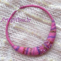 wool felted choker necklace HYACINTH lilac pink by ARTGIFTBOX