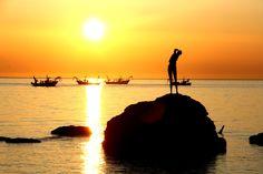 Vasto Marina - Sirenetta Full details: www.resources.immobiliarecaserio.com  #Sea #Beach #sirenetta #woman #statue #Vasto #Marina #Chieti #Abruzzo #Italy #immobiliarecaserio #exclusiveproperty http://www.risorse.immobiliarecaserio.com/sirenetta-di-vasto-marina/ http://www.resources.immobiliarecaserio.com/vasto-marina-beach-the-mermaid/