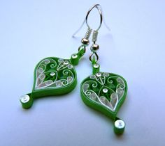 Super cool quilled paper earrings