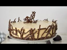 Tarta fría de mousse de café. deliciosa y ¡Sin horno! | Cuuking! Recetas de cocina Easy Cheesecake Recipes, Cheesecake Bites, Chocolate Cheesecake, Pumpkin Cheesecake, Christmas Cheesecake, Delicious Deserts, Mini Cheesecakes, Party Cakes, How To Make Cake