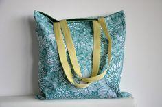 Tote bag en coton, ton vert et blanc, motif grandes fleurs