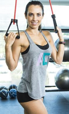 Autumn Calabrese's Total Fat Burning Workout with Resistance Bands -- Click to watch the video and start burning off fat! #fitness #workout #exercise #fatburn #getfit #fitfam #video #resistancebands #beachbody #beachbodyblog