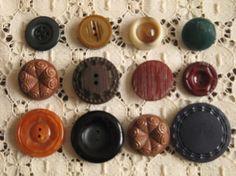 イギリス・アメリカなどのヴィンテージボタン12個セットです。ちいさな傷や汚れなど年数を経過したことによるダメージがあるボタンもあります。数十年前に作られたとい...|ハンドメイド、手作り、手仕事品の通販・販売・購入ならCreema。