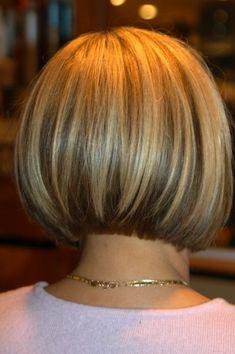 Best Trendy Short Bob Haircuts for Women – Fashion - Frauen Frisuren Bob Haircuts For Women, Short Bob Haircuts, Short Hair Cuts For Women, Short Hairstyles For Women, Short Hair Styles, Trendy Hairstyles, Stacked Bob Hairstyles, Bob Hairstyles For Fine Hair, Hairstyles Haircuts