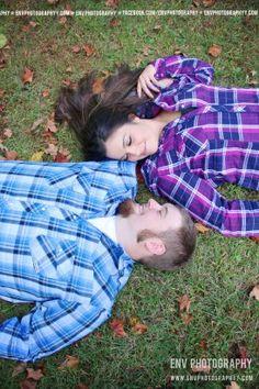 couple pose photography