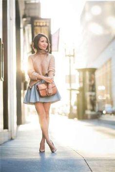3. WENDY'S LOOKBOOK Wendy's Lookbook con un jersey de cuello alto, falda con vuelo y zapatos de salónWendy's Lookbook con un jersey de cuello alto, falda con vuelo y zapatos de salón - MujerHoy