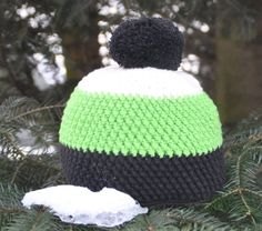"Timmy the Turtle & Schildkröte in ""Muskat"" oder ""Safran"" & Free pattern by DROPS Design Crochet Beanie Hat, Crochet Baby Hats, Crochet Clothes, Beanie Hats, Knitted Hats, Knit Crochet, Crochet Crafts, Crochet Projects, Diy Hat"