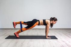5 exercises thatll fix a glute imbalance and nix that lower back pain Squat, Gym Personal Trainer, Single Leg Deadlift, Muscle Imbalance, Fitness Facts, Fitness Fun, Health Fitness, Hip Workout, Boxing Workout
