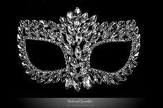 Drina Marquise Cluster Masquerade Mask | Crystal