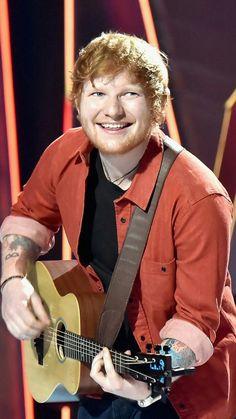Ed Sheeran performing at the VMA's   ♥️♥️♥️♥️♥️♥️♥️♥️♥️♥️♥️♥️♥️♥️