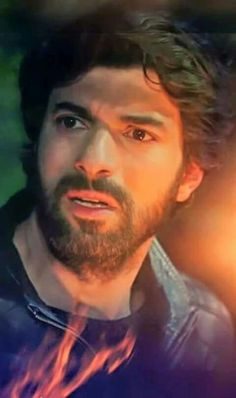 Engin Akyürek - An excellent picture. Shows facial expression very well.