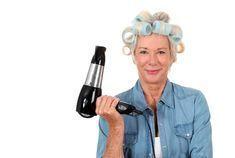 Jednoduchý recept, jak mít barvené vlasy krásné a lesklé