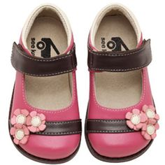 See Kai Run Nina Pink! Hadley's new shoes. The only brand she wears.
