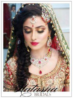 Ayeza khan on her baraat