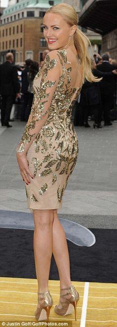 Parlamaya zamanı!  Londra Çağlar galası Rock kırmızı halı üzerinde Malin Akerman kamaşmaları, yıldızı Tom Cruise spot çalmak