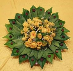 30 Betel Leaf Plate Decoration ideas to inspire you - Wedandbeyond Diwali Decorations, Indian Wedding Decorations, Flower Decorations, Arti Thali Decoration, Mandir Decoration, Flower Rangoli, Marriage Decoration, Wedding Plates, Wedding Gift Wrapping