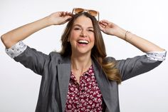 'SATC' stylist @patriciafield and Sutton Foster teaches you how to look 15 years younger! Get inspired by Younger style. Watch the latest episode at http://www.tvland.com/shows/younger.